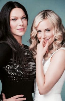 Taylor Schilling and laura prepon fanfic