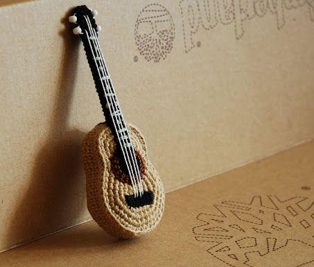 Amigurumi Guitarra Patron : Crochet Guitar Amigurumi Pinterest Muster, Hakeln ...