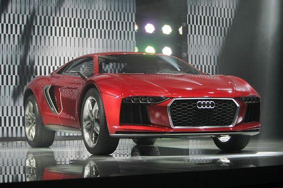 Concept Cars - Autos, die so nie gebaut werden Auf der IAA 2015 stellt Audi die Crossover-Studie nanuk quattro vor. Ein Auto, dass die Dynamik eines Mittelmotorsportwagens hat, der sich aber auf jedem Untergrund wohlfühlen soll. Das Showcar entsteht seinerzeit in enger Zusammenarbeit mit der VW-Tochter Italdesign Giugiaro.