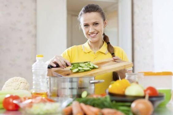 image for 10 hábitos en la cocina que te harán bajar de peso