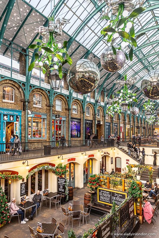 Covent Garden Christmas Decorations In London This Is A Great Place For A Christmas Walk In London Click Through In 2020 London Places London Christmas London Travel