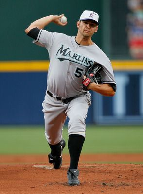 Josh Johnson with an example of keeping his upper body square and good direction through the front foot.