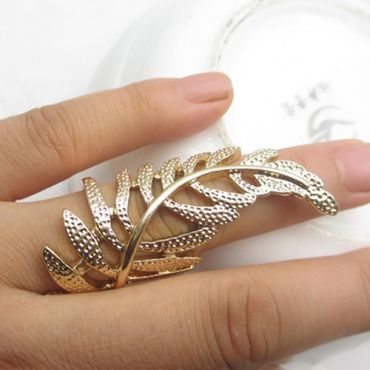 USD1.99Cheap Fashion Golden Hollow-out Leaves Desgin Metal Ring