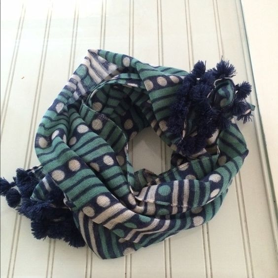 Madewell scarf Beautiful light weight green and blue scarf.  No holes, stains or snags. Moving up into the month so everything must go. Feel free to make an offer. Madewell Accessories Scarves & Wraps