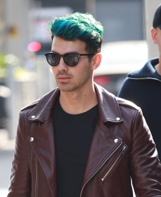 Joe Jonas: Neue Haarfarbe gegen Trennungsschmerz | Promi-News und Promifotos – Promi-Magazin.de