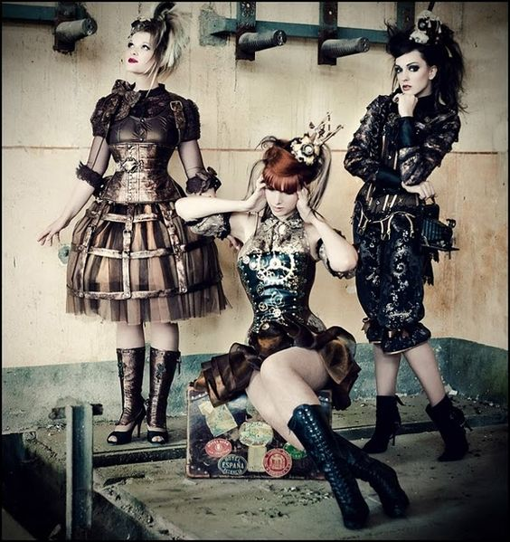 #steampunk I want that wire skirt