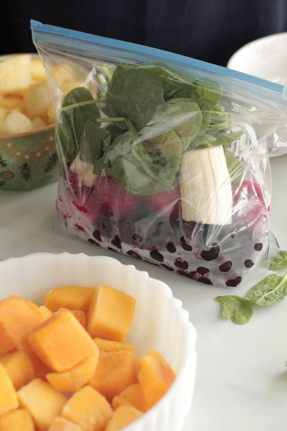 DIY Freezer Smoothie Packs - 5 combinations recipes each pack will make about 4 cups of smoothies.