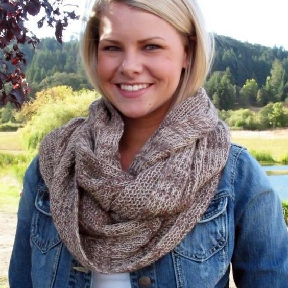 What's not to adore about this stylish infinity scarf? Made from 100% baby alpaca fibers, and fashionable all year round!   https://www.thealpacagroupnw.com/product/circular-alpaca-scarf