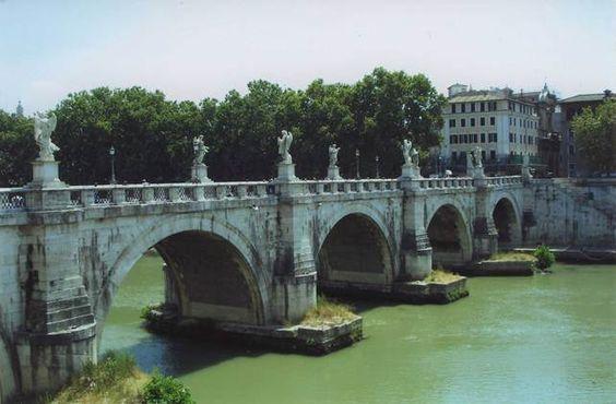 Мост Траяна через Истр (Дунай) - зодчий Аполлодор Дамасск...