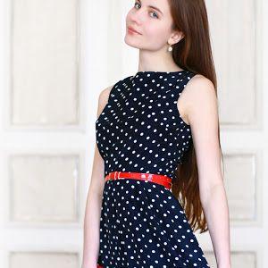 Niebieska Sukienka Odslaniajaca Plecy I Czerwone Szpilki Ari Maj Personal Blog By Ariadna Majewska Fashion Sleeveless Dress Dresses