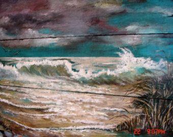Recuperado arte de pared de madera marino océano playa pintura hecha al orden Original pintado a mano. Tamaño aprox. 24 x 38. Esta pintura se ha vendido pero otro puede ser pintado en el mismo tamaño que una orden de encargo. Será en el mismo tipo de madera recuperada. Esta madera es de 75 años cajas de pasas de uva en viñedos en el valle de San Joaquín de California. Se pintarán su pedido personalizado lo más cerca posible a la original. Puede haber alguna ligera variación debido a la…