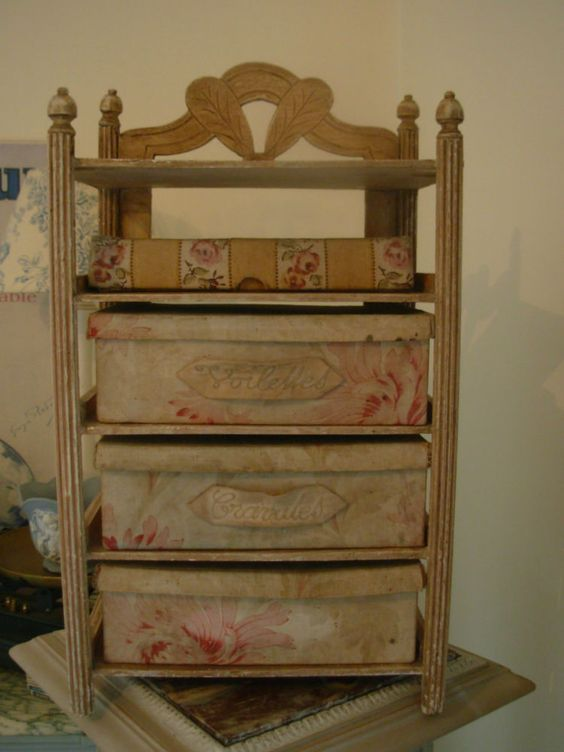rare etagere mercerie ancienne avec ses boites objets couture pinterest. Black Bedroom Furniture Sets. Home Design Ideas