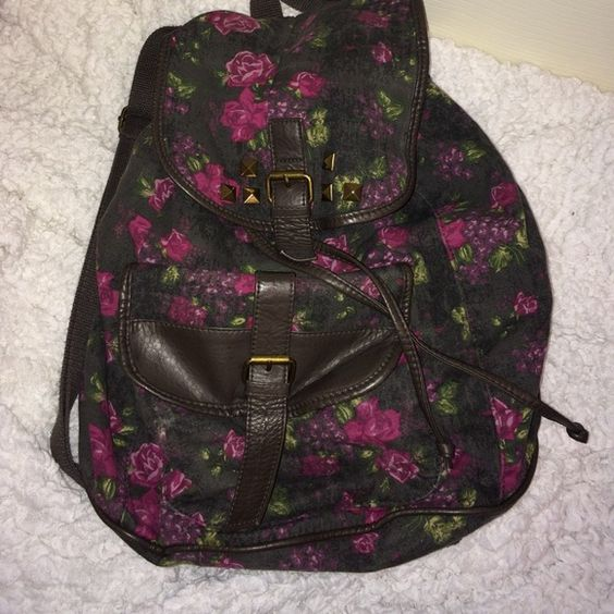 Mossimo Supply Co. Floral backpack Grey and pink floral Mossimo Supply Co. Backpack Mossimo Supply Co Bags Backpacks