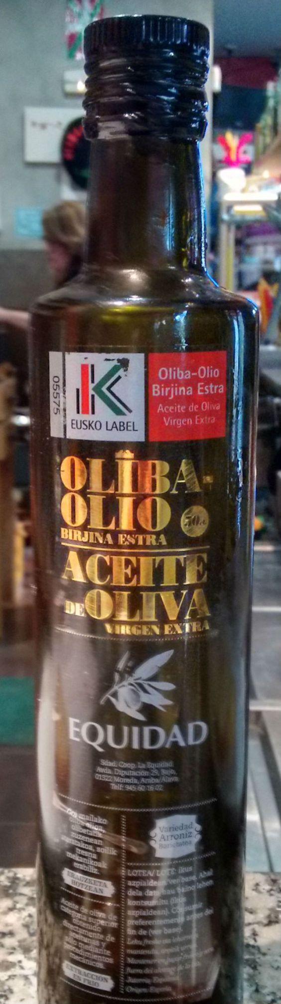 Botella de aceite Equidad AOVE de Rioja Alavesa con Eusko-Lavel.