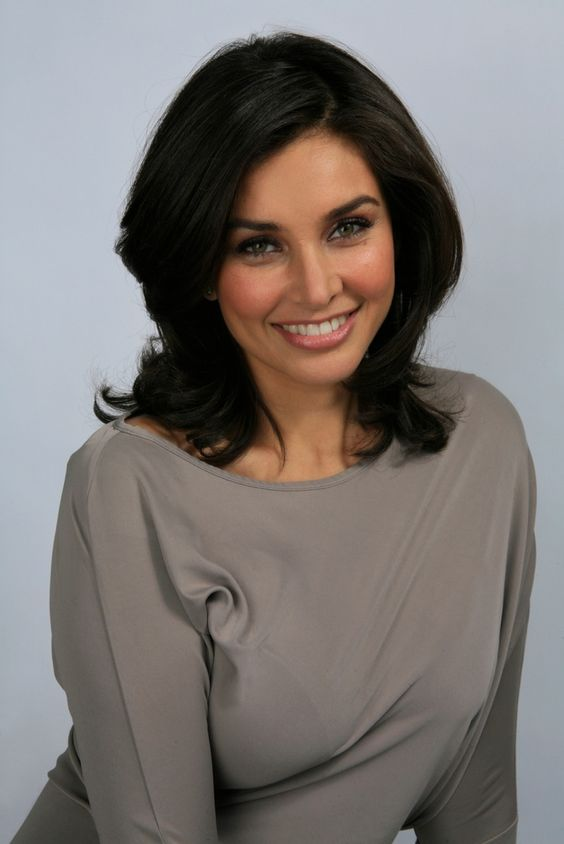 lisa ray model actress tv host and cancer survivor