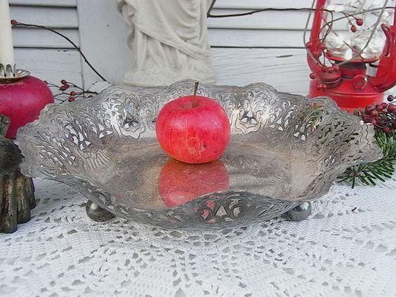 Vintage Tafelsilber - alte Schale versilbert Plätzcheschale shabby chic - ein Designerstück von artdecoundso bei DaWanda