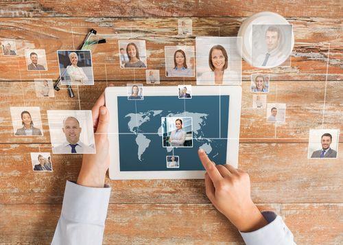 Active Sourcing: Heutzutage kann jeder ohne Umschweife nach neuen Mitarbeitern fahnden. Unser Überblick zeigt Ihnen, was Sie dabei beachten sollten...