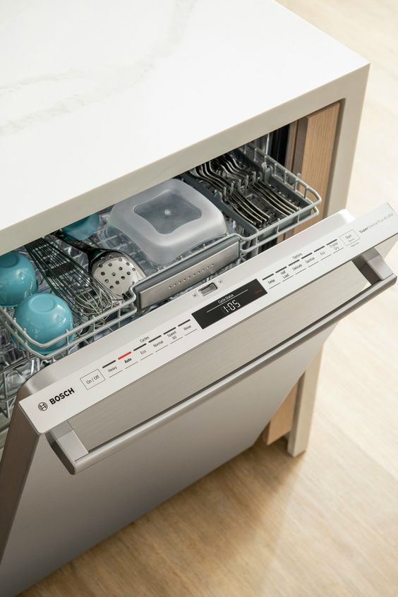 Kitchen goals! I officially have dishwasher envy thanks to the Bosch 800 Series dishwasher. #ad #boschdishwasher #boschcrystaldry #boschkitchen #mynewboschdishwasher