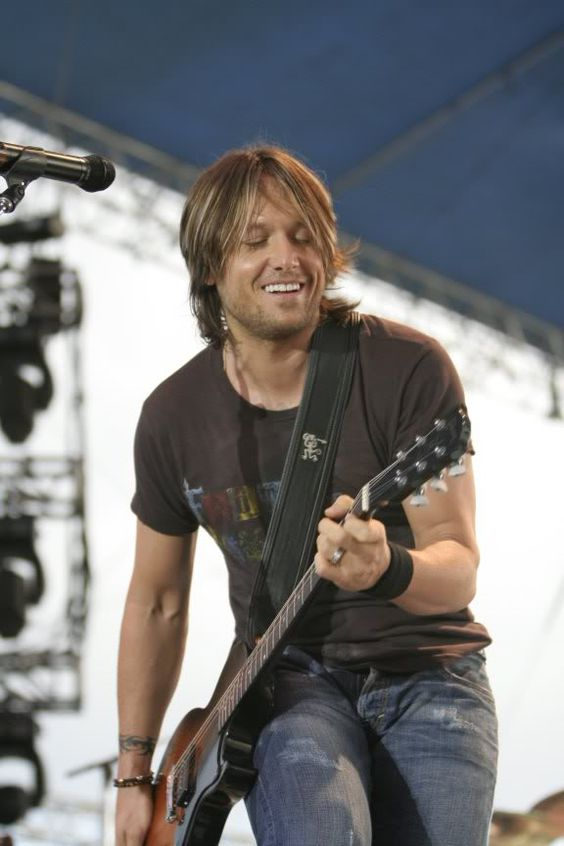 Keith Urban - Sydney Entertainment centre. I love when he's jamming to a song. He just looks so in love with the music.