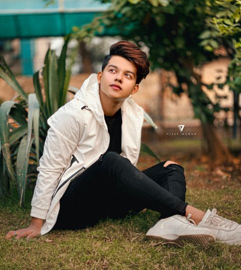 Riyaz Aly Cute Boy Hd Image Get To Download Free Riyaz Aly Cute Boy Image In Hd Quality Witho Photo Poses For Boy Photoshoot Pose Boy Photography Poses For Men