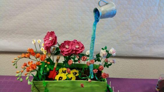 Jardiniere cake gravity cake flower cake