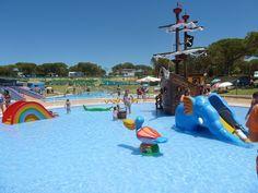 Os Recomendamos Campings Con Niños En La Montaña O En La Playa Un Plan De Los Más Mammaproof Ideal Para Una Hoteles Para Niños Acampar Con Niños Camping Niños