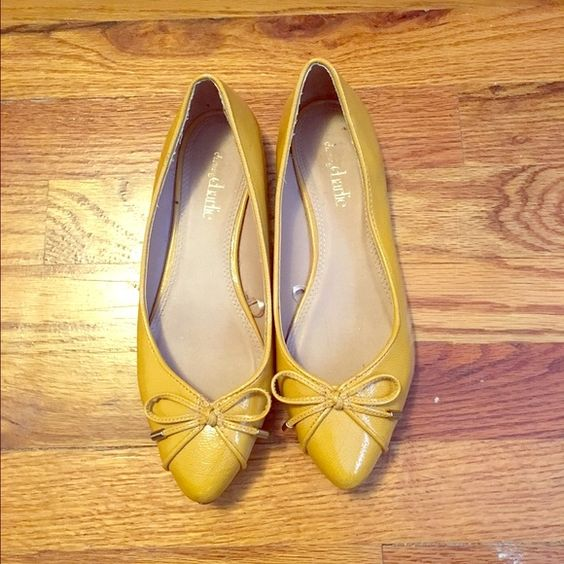 Mustard Charming Charlie Pointed Flats Mustard yellow color perfect for spring! Pointed toes with bows on the ends. Only worn once! Small scuff mark on inside of toe but not visible while wearing. Considering all offers! Charming Charlie Shoes Flats & Loafers