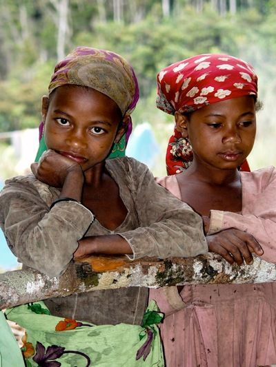 Little teen and tribu african - 1 9