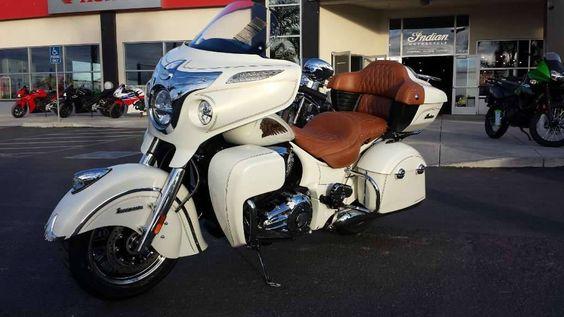 Indian Roadmaser custom pearl white'