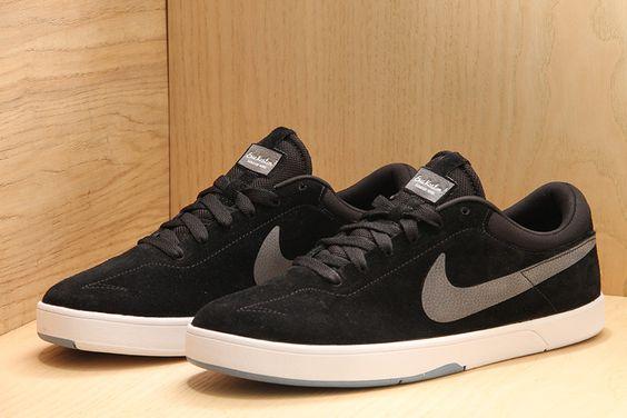 Nike SB Eric Koston Black / Dark Grey / Chambray  £61.95