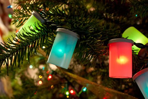 Have you wondered what to do with 35mm film canisters? Make film canister holiday lights! #DIY #photography- and #Christmas-related fun.