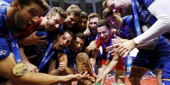 L'équipe de France rejoint les meilleures nations du monde au palmarès de la Ligue mondiale. (Reuters)