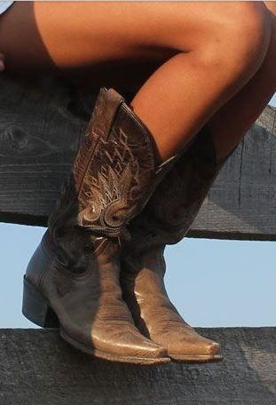 Love this cowboy boots