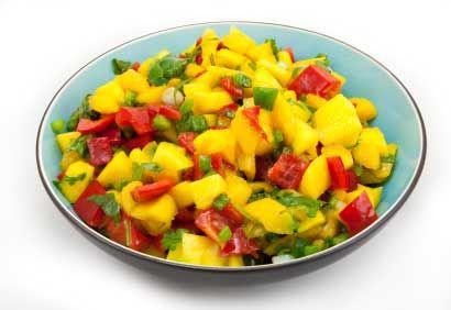 Recette semblable à celle de Marilou en ajoutant une tomate en petits dés.  À servir avec brochettes de viande.