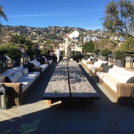 Beautiful #LA day at the @restorationhardware Gallery #design #sunshine #rhwesthollywood ☀️
