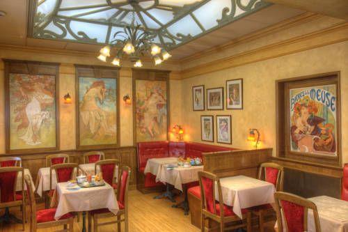 Hotel De La Paix - Cet hôtel plein de charme se situe dans le quartier piéton du…
