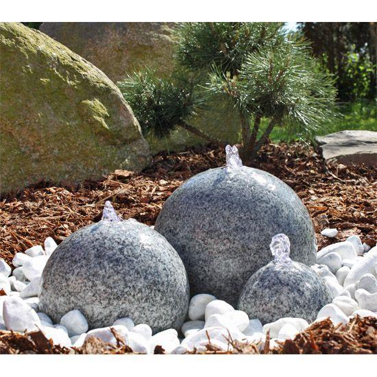 Wunderschoner Granit Kugel Springbrunnen Fur Ihren Garten Der Granitbrunnen B Garten Granit Water Features In The Garden Amazing Gardens Water Features