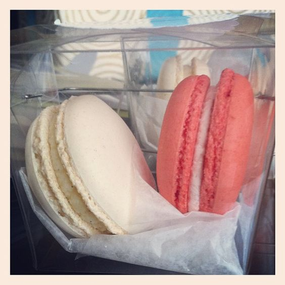 macaron favors at wedding