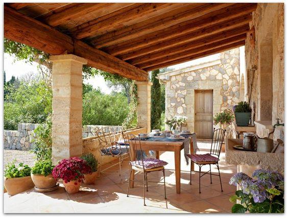 Art Symphony: Summer house in Spain
