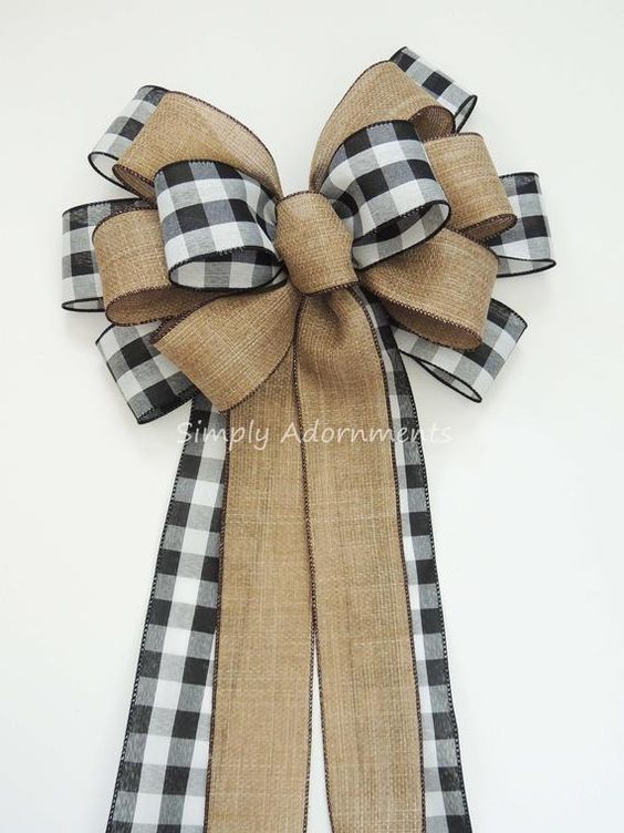Black White Buffalo plaid Burlap Bow Black White Cabin Check Christmas Topper Bow Black White Buffalo Plaid Bow Christmas Lodge Wreath Bow This bow is made using 2.5 wide black white buffalo plaid and faux burlap wire-edged ribbon. This particular bow is 13 wide and has 4 tails