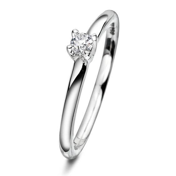 Klassisk enstens frierring med flere diamant størrelser - Estelle ring i gull med diamant - Juvelen gullsmed