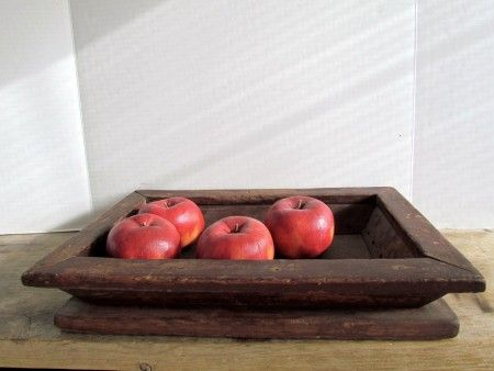 Shaker Enfield Apple Tray