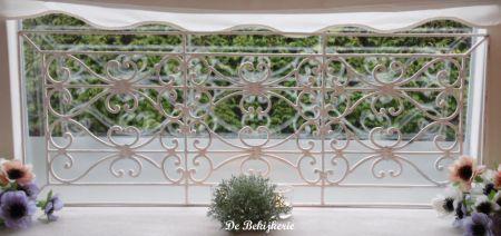 raamdecoratie rek oud wit smeedijzer castwroughtiron
