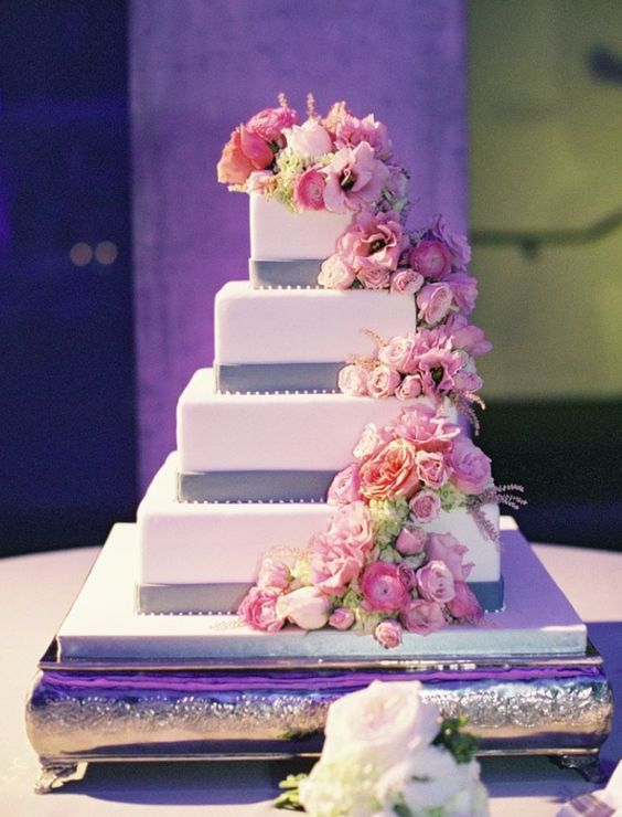 Wedding cake idea; Featured Photography: Caroline Tran Photography
