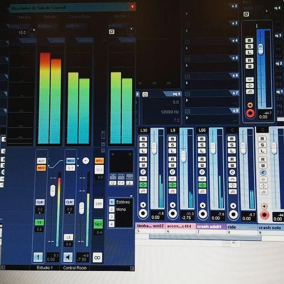 Modo rec! #rec #recording #studio #music #gopro #gopromusic #luzbuena #cumbia #cuencastudio