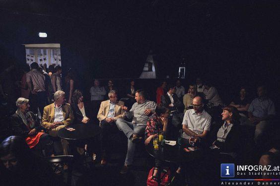 """EIGHT THIRTY P.M. - JAZZ: Brasilianische Tänze auf der Ebene 3 im Schauspielhaus Graz am 5. Mai 2015 Die Brasilianische Jazz-Truppe """"#BRAZUCA"""" mit Samba Rythem von den Hügeln in Rio de Janeiro und Protestmusik Troßicália aus den 1970ern führte in die Sommerpause. Krönender Abschluss der Reihe """"EIGHT THIRTY P.M."""", in der junge Talente einmal die Woche die Ebene 3 im Schauspielhaus Graz jammen #BrasilianischeJazzTruppe #EIGHTTHIRTYP.M.JAZZ"""