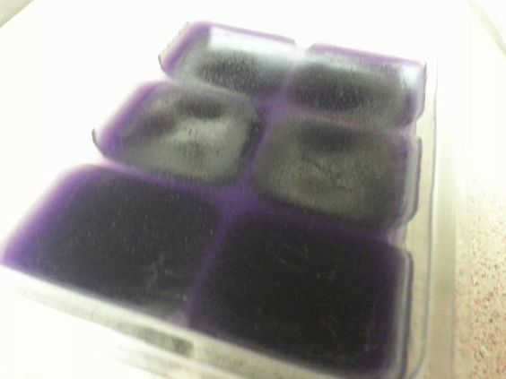 Check out this item in my Etsy shop https://www.etsy.com/listing/246770969/muscadine-grape-tart-wax-melts