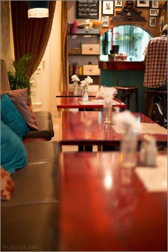 MILK Bar Restaurant – Breakfast till 4pm – Barcelona, Spain