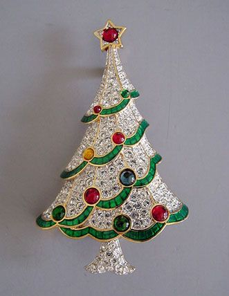 Christmas Tree Pin, good design for a cookie or veggie tray