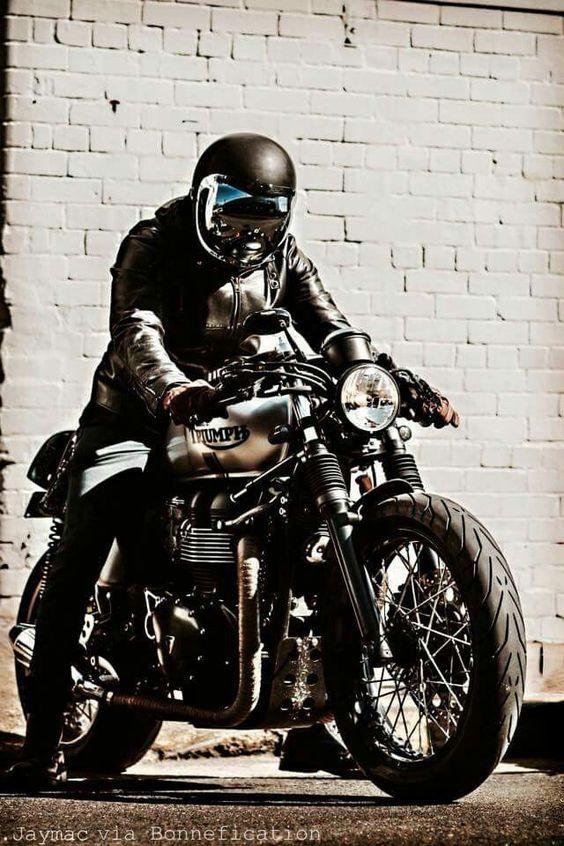 Hd Bike Wallpaper Download Chopper Bike Wallpaper Free Triumph Cafe Racer Triumph Bikes Classic Motorcycles